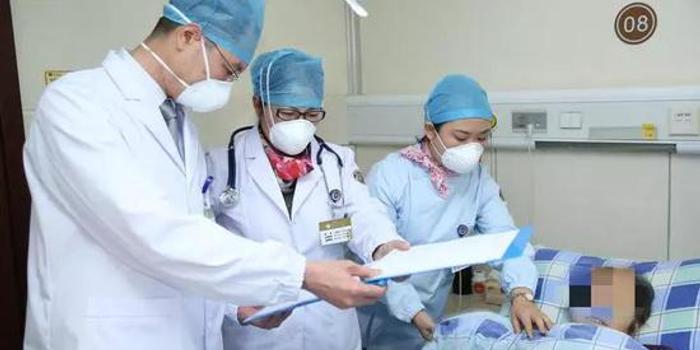女白領肺部爛出多個大洞 醫生:她這樣的比比皆是