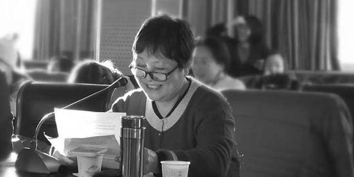 """撫養102位地震孤兒的""""何老媽""""走了 享年61歲"""