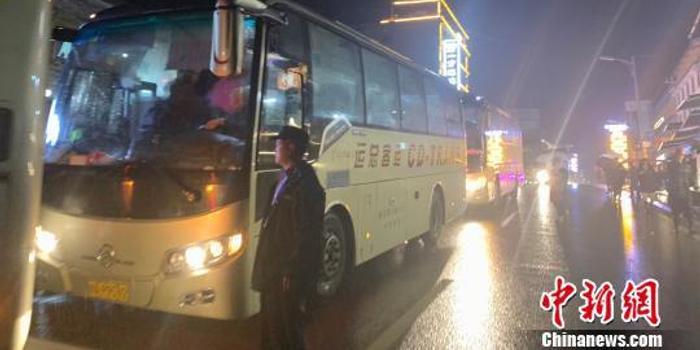 四川臥龍暴雨災害已致8人失聯 疏散游客上萬人