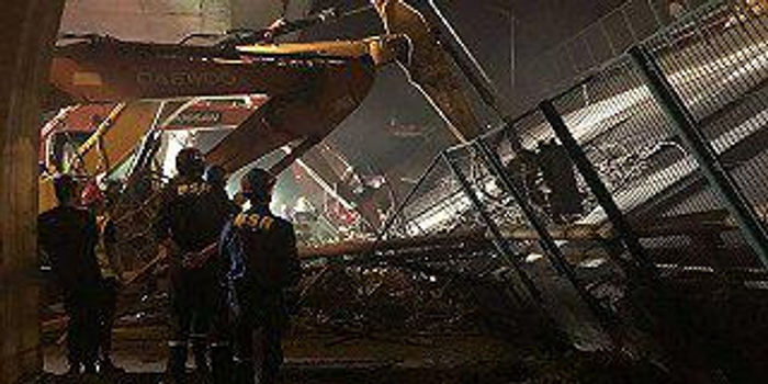 無錫高架橋事故背后:不超載就虧錢的畸形貨運生態