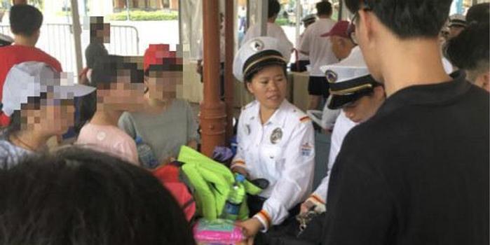 廣西11選5_浦東消保委:上海迪士尼不接受調解 堅持翻包檢查