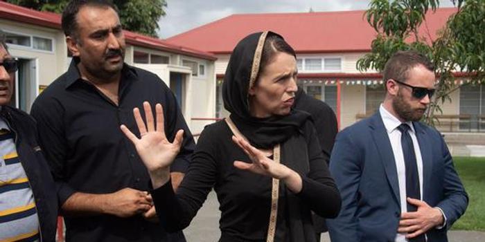 槍案次日 新西蘭總理等前往基督城慰問伊斯蘭社區