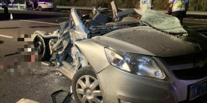 泉南高速柳州段大貨車追尾小車五人死亡 含兩幼童