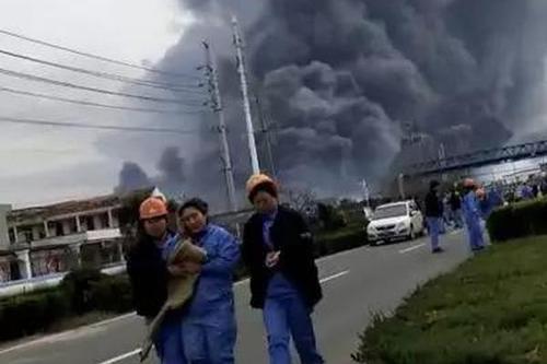 江苏盐城一化工园区内产生爆炸 平易近宅窗户玻璃被震碎