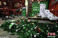 日本发生6.7级地震 酒厂酒瓶碎一地