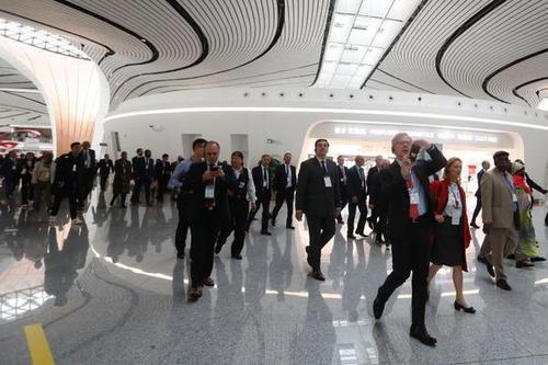 外国驻华使节参访北京大年夜兴国际机场