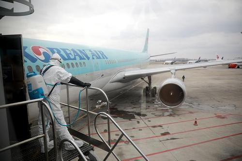 青岛机场加强监测 谨防境外疫情输入
