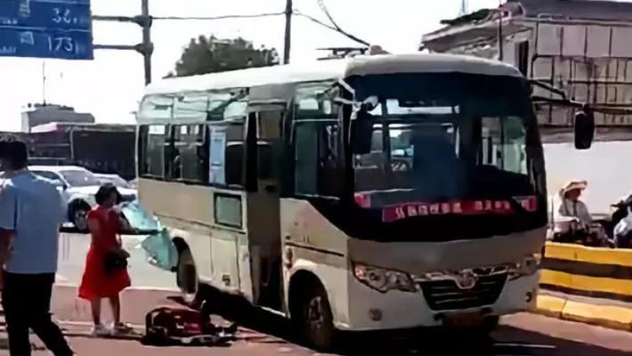 西安公交车伤人事件致2死8伤