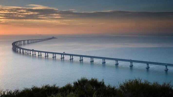 港珠澳大桥开通仪式举行