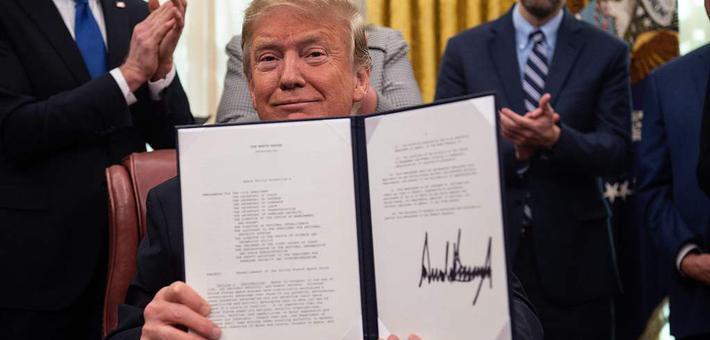 特朗普签署指令 组建美国太空军