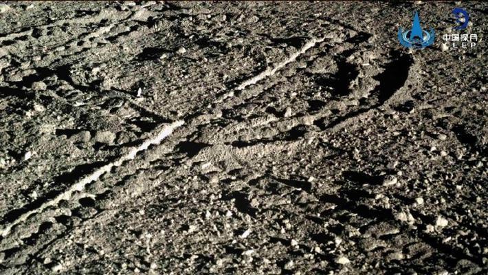 """这是来自月球的""""正宗月饼"""""""