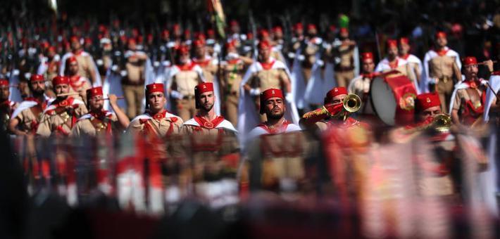 西班牙举行国庆日阅兵式