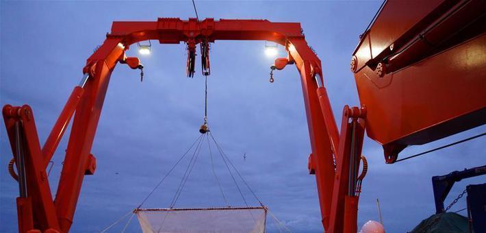 南极考察队首在宇航员海展开科考
