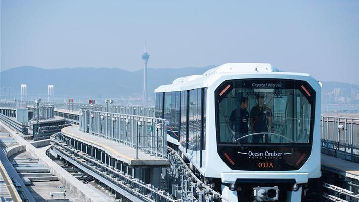 澳门首条轻轨氹仔线开通