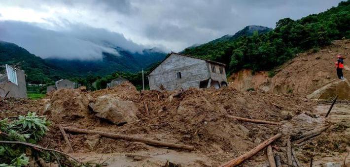 湖北黄梅山体滑坡已致5人死亡