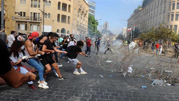 贝鲁特发生大规模示威活动