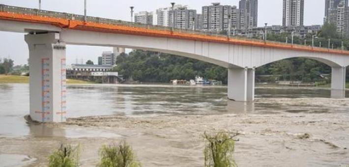 重庆潼南迎来过境洪水