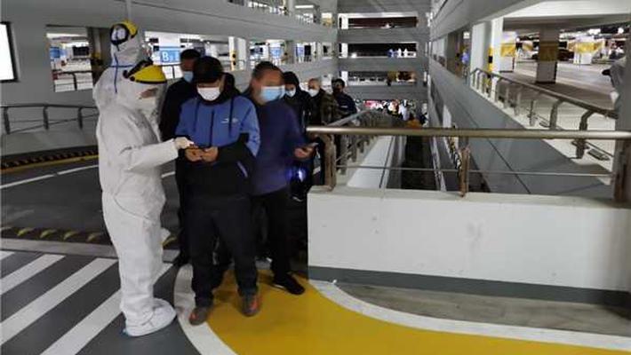 浦东机场所有相关人员连夜进行核酸检测