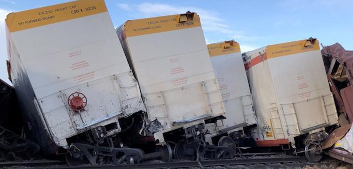 加州一列货运火车出轨