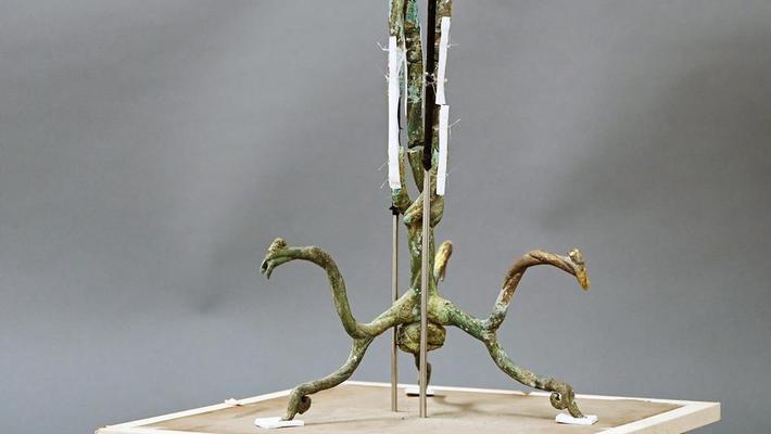 三星堆青铜神树露出神秘真容
