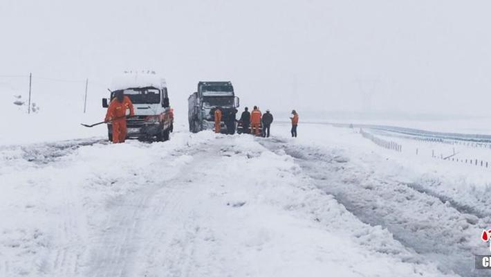 青海南部局地出现暴雪