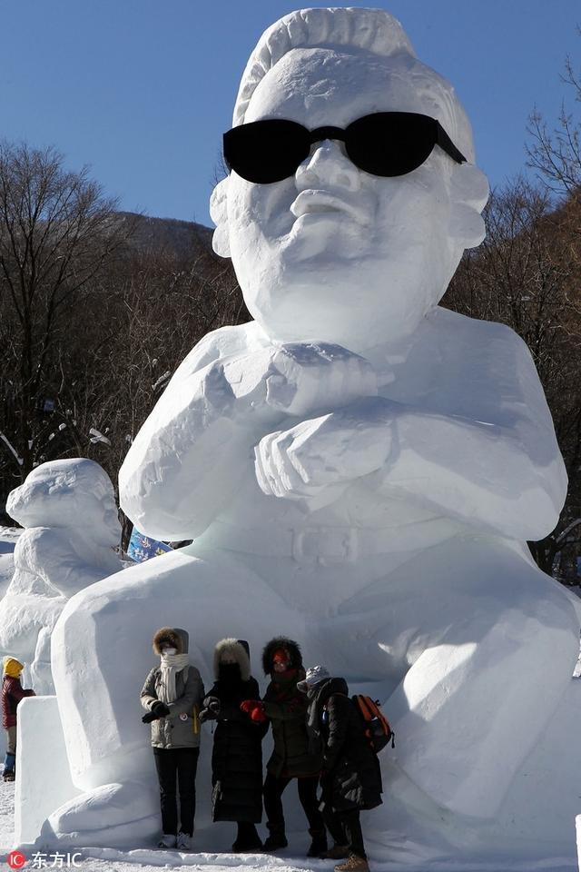 近日,全国中东部迎今冬来范围最大、强度最强的雨雪天气,多地降雪,堆雪人的机会来了!寒冷的天气也抵挡不住各国童鞋们堆雪人的热情,各种创意无限、姿态万千的雪人或雪雕塑横空出世,各个销魂,雷死人不偿命!