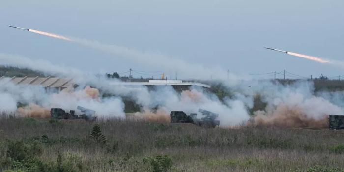 臺媒體人叫囂臺軍火箭炮可裝毒氣彈 已進行秘密試射