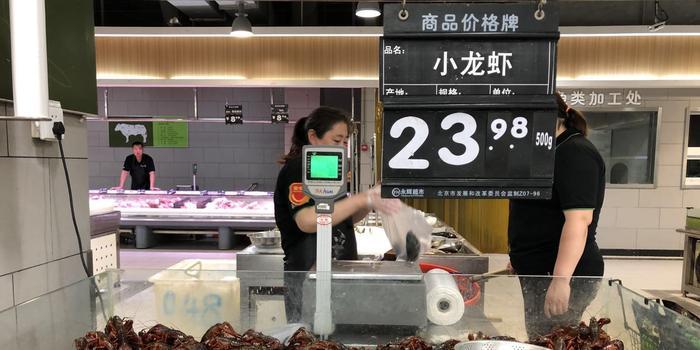 小龍蝦價格大跳水背后:養殖規模激增 季節性波動明顯