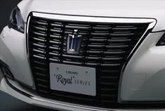 丰田皇冠涡轮增压动力强后排舒适度媲美奔驰
