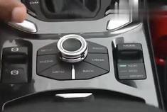 新款哈弗H6新车回店,打开车门见到内饰