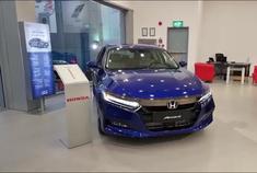 新车到店,实拍2021款本田雅阁2.0T,按下钥匙坐进车内,太帅了