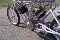2个发动机的摩托车,比宝马3系还要贵,打火方式意想不到!