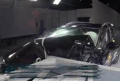 马自达6旅行版正面碰撞测试,能否保护全家安全