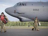 美国空军再次挑衅,战略轰炸机一路南下,关键时刻日本狼狈为奸