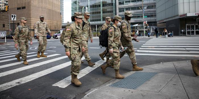 美超150个军事基地出现疫情 或考虑延长军人服役期