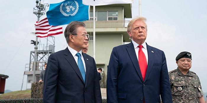 韓方:特朗普與文在寅通電話 認為美朝應繼續對話