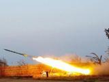 又是8枚火箭弹!美军基地刚遭猛烈袭击,被炸得焦头烂额