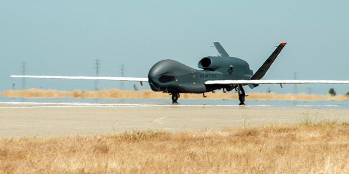 俄媒:美军全球鹰侦察机对克里米亚进行侦察飞行