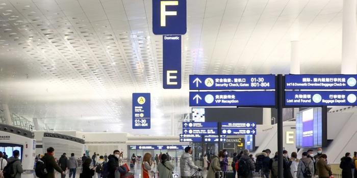"""直擊武漢天河機場:""""封城""""前有96架航班飛往全國"""