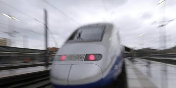 庞巴迪将AGC混合动力列车转换为全电池动力