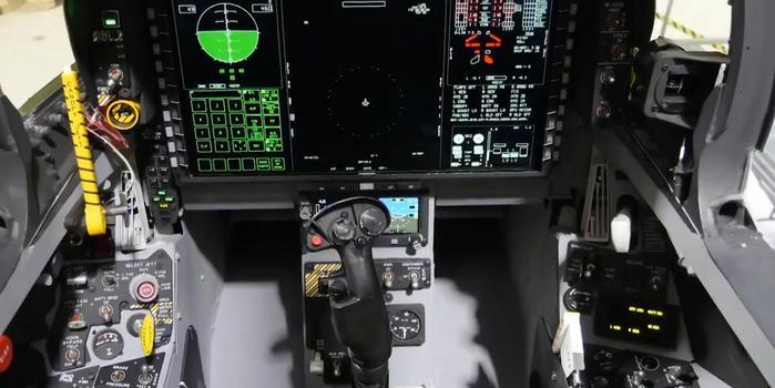 美新版超级大黄蜂战机曝光座舱媲美F