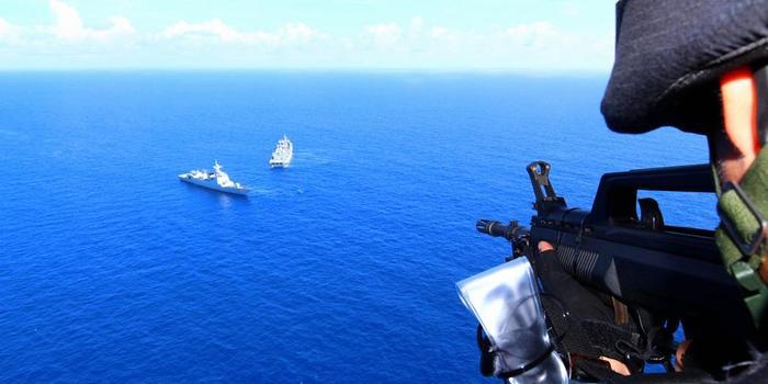 中国护航编队开展反海盗演练 出动052D武力营救(图)