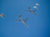 美战略轰炸机在我东南沿海乱窜,号称专业打航母,俄:有来无回