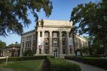 美大学开学5天500多人感染新冠 教授被要求