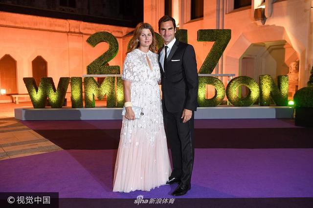 2017年7月16日,英国伦敦,2017温网冠军晚宴举行。费德勒夫妇