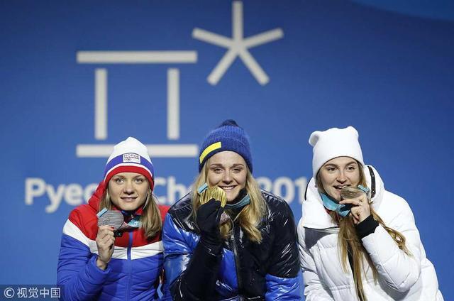 2月13日晚,平昌冬奥会越野滑雪女子传统式短距离赛,瑞典选手尼尔森夺得金牌,挪威选手法拉获得银牌,俄奥运选手别洛鲁科娃获得铜牌。