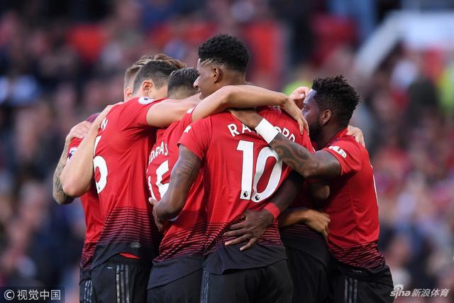 北京时间8月11日,2018-19赛季英超联赛首轮比赛展开角逐,曼联坐镇主场老特拉福德球场2-1战胜莱斯特城。