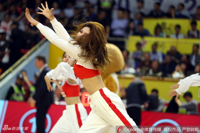 2017-2018赛季CBA季后赛半决赛第7场:浙江广厦vs山东高速 篮球宝贝热舞俏皮可人