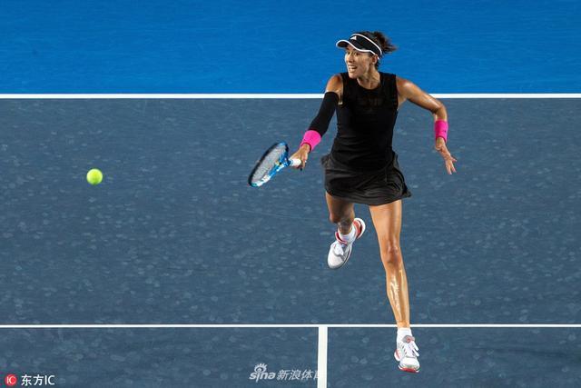 北京时间10月12日,WTA香港赛,穆古鲁扎6-2/7-5力克泰国一姐库姆淳,晋级四强。