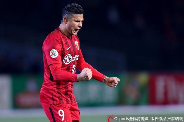 北京时间2月13日,2018赛季亚冠联赛迎来首轮较量,中超上海上港将客场挑战川崎前锋。最终,凭借着上半场埃尔克森的进球,上港1-0战胜对手,取得开门红。